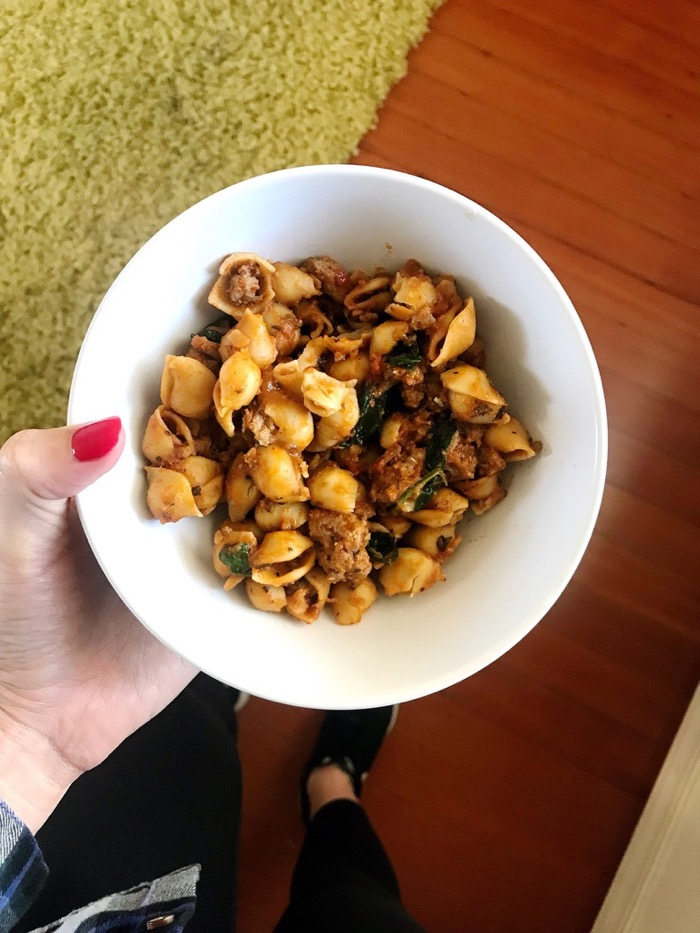 Banza Pasta With Spinach And Meat Sauce