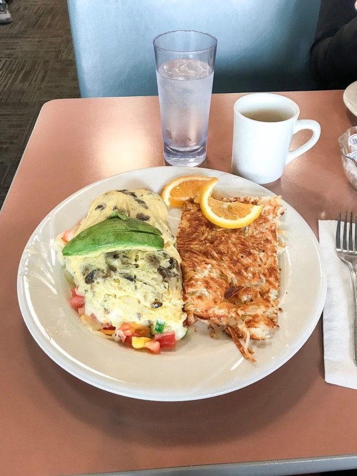 veggie omelet with potatoes