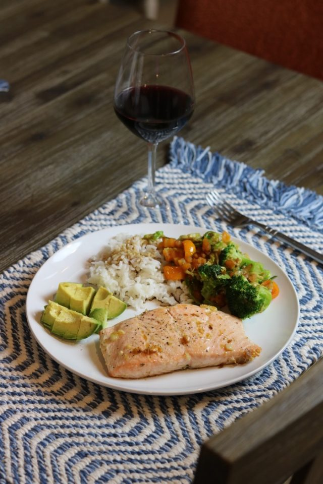 Salmon (cooked with olive oil, salt, pepper, garlic and a little bit of oregano - so good!), rice, and avocado.