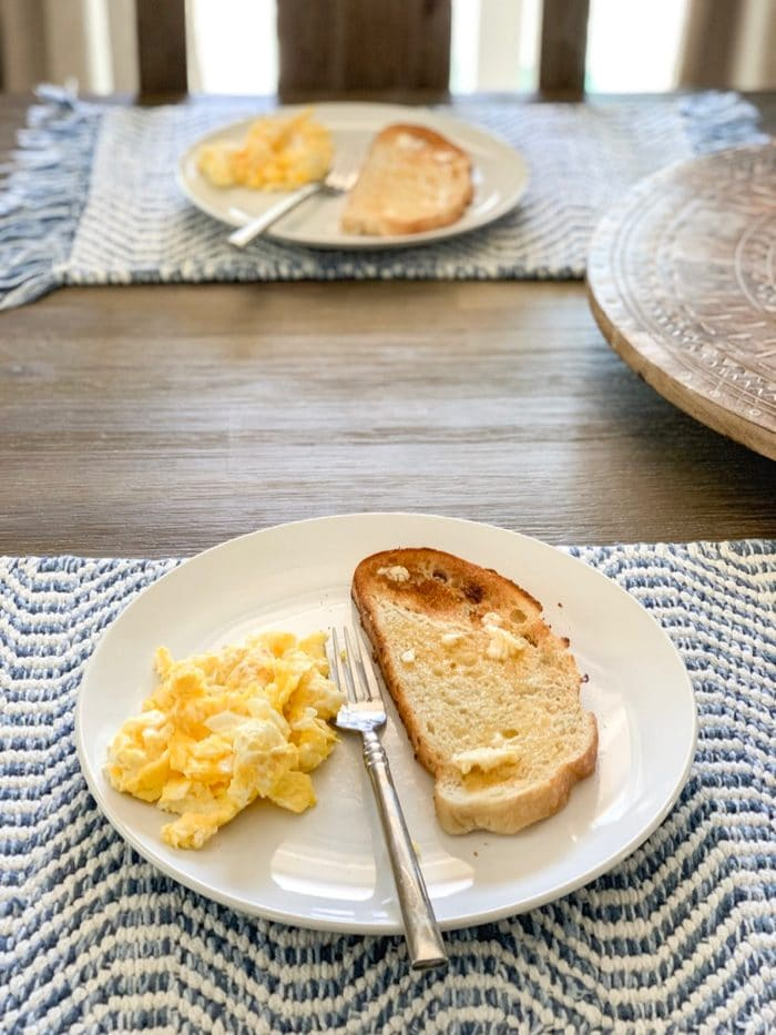 Daily Eats | Scrambled eggs with sourdough toast and kerrygold butter for a post-workout breakfast