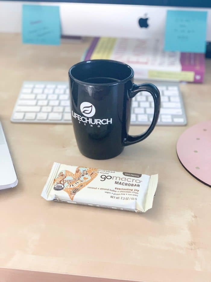 Daily Eats | GoMacro's everlasting joy bar with coffee with I worked in the morning.