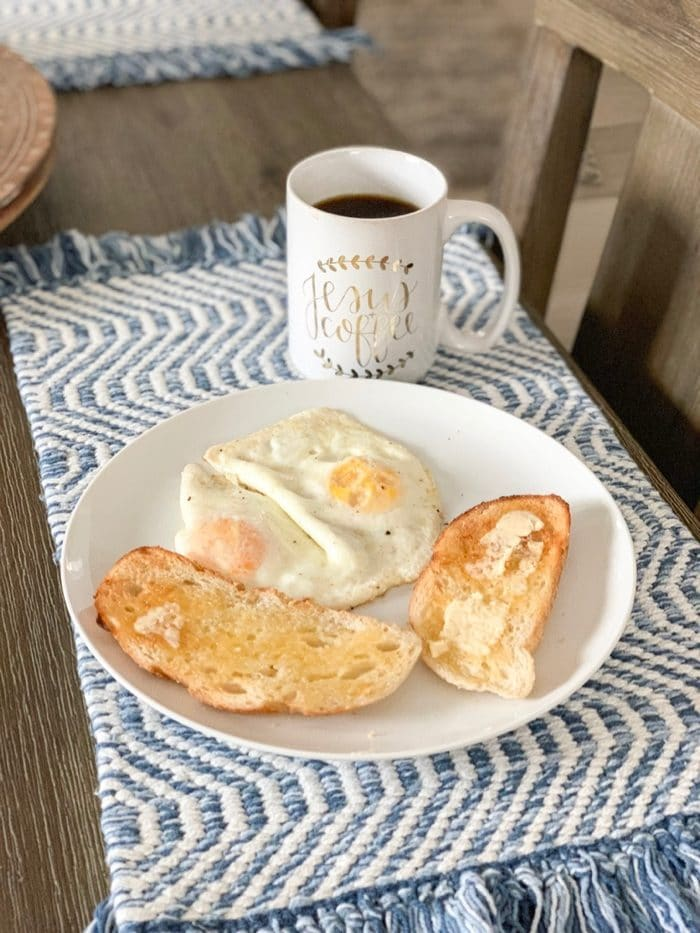 Daily Eats | Eggs with sourdough toast and coffee. Always my favorite!