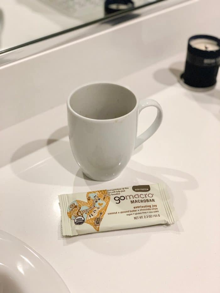 Daily Eats | GoMarco's everlasting joy bar and coffee before starting work