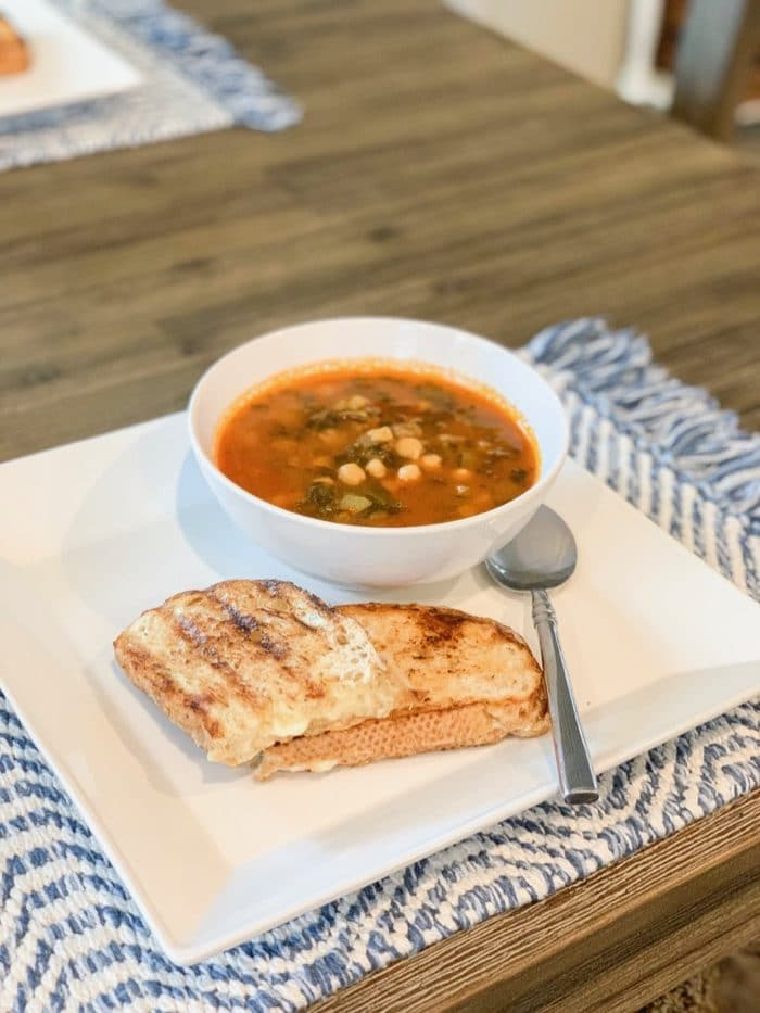 Daily Eats | Daily Harvest minestrone soup (it really comes in hand to have these meals in the freezer!) with grilled cheese on the side.