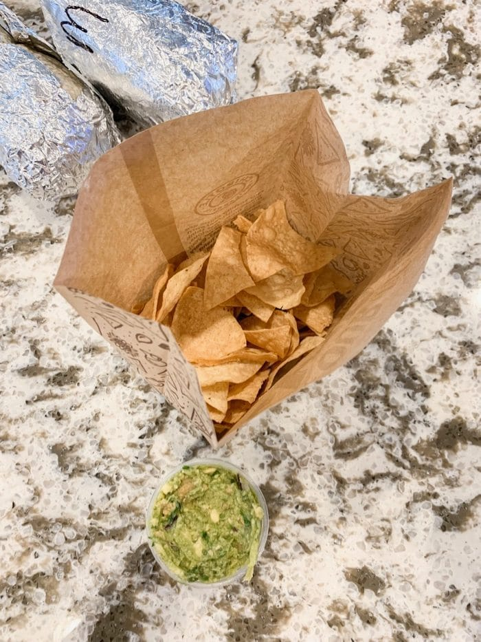 Daily Eats | Chipotle's chips and guacamole for a pre-dinner snack. Marco and I were craving it!