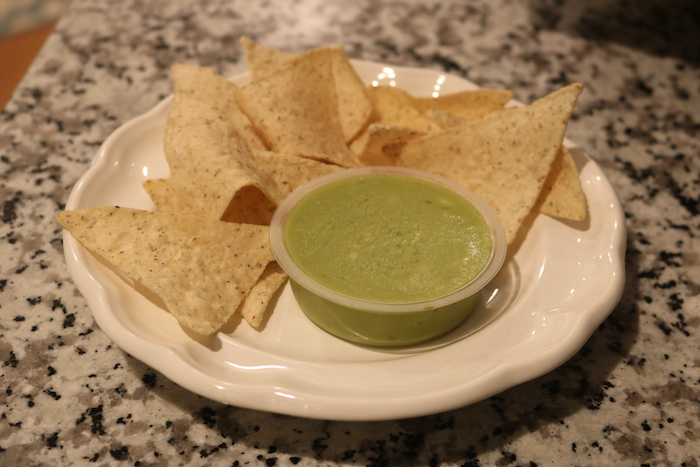 Siete chips and guac