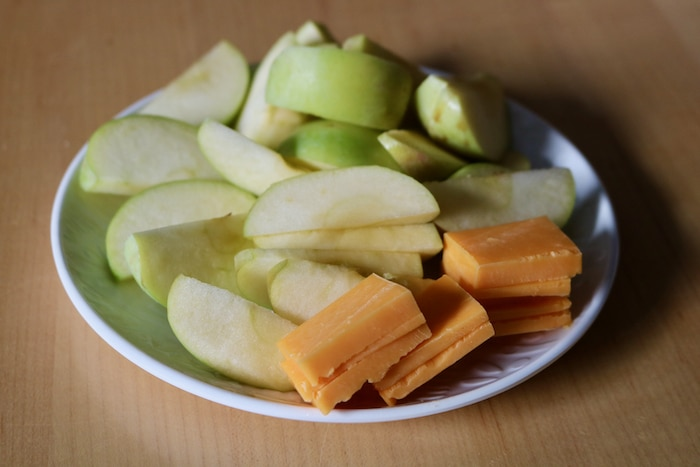 For an evening snack (5:30) I had apple slices and cheddar cheese. This used to be a favorite as a kid!