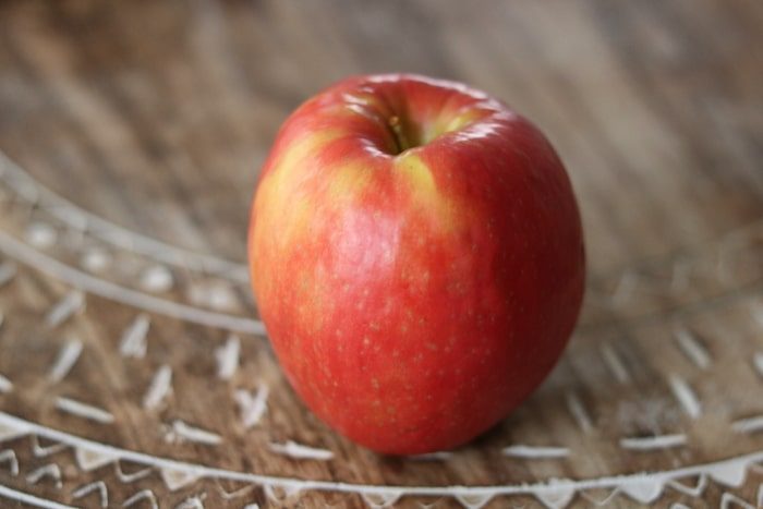 Snacked on this apple on the way.