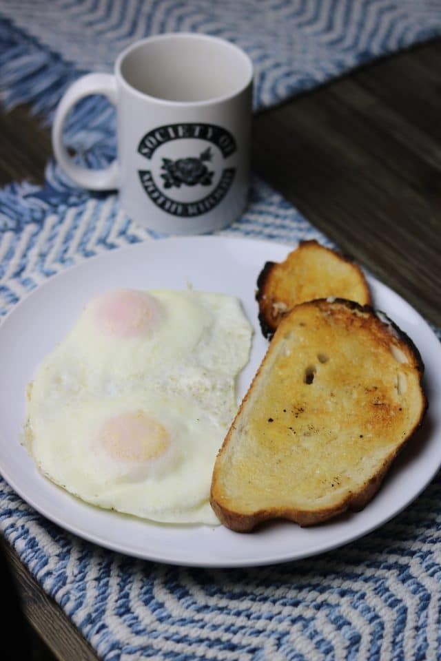 Saturday I woke up, had coffee, and listened to some new audios in a business mindset course I've been going through. Once I got hungry, I made two eggs with a slice of sourdough + the small toasted heel